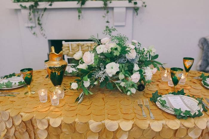 Groovy 1920S Wedding Inspiration With Emerald And Gold Tones By The Download Free Architecture Designs Embacsunscenecom